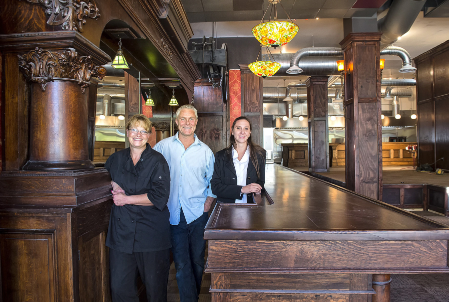 Ffenbach And General Manager Sharon Walker Right Are All Pleased With The Progress In Remaking Restaurant At Monticello Hotel Longview