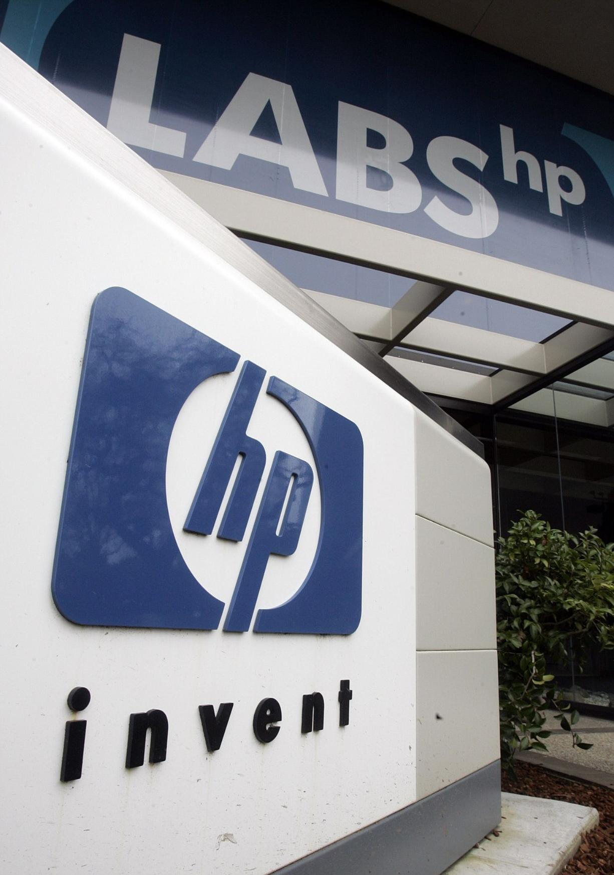 Hewlett-Packard Co. said Thursday that it will discontinue its tablet computer and smartphone products and may sell or spin off its PC division, bowing out of the consumer businesses.
