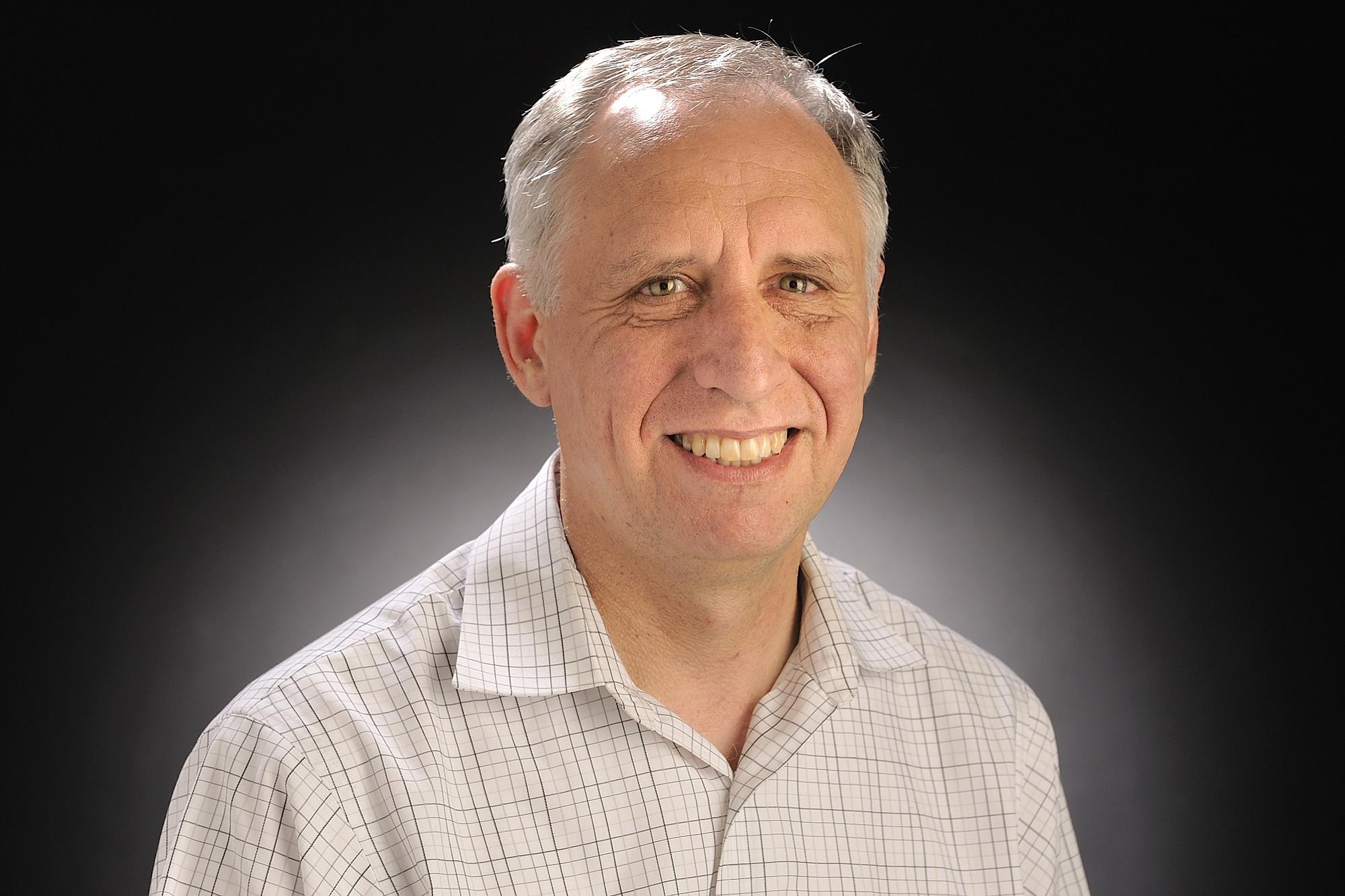 Gordon Oliver, Columbian's business editor