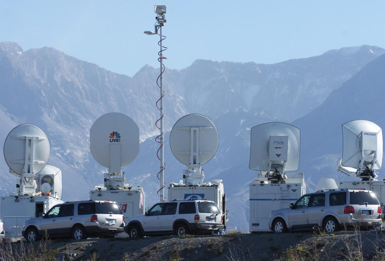 The lead-up to Mount St. Helens' last eruption drew widespread media attention in September 2004. Television trucks were a fixture at Johnston Ridge Observatory.