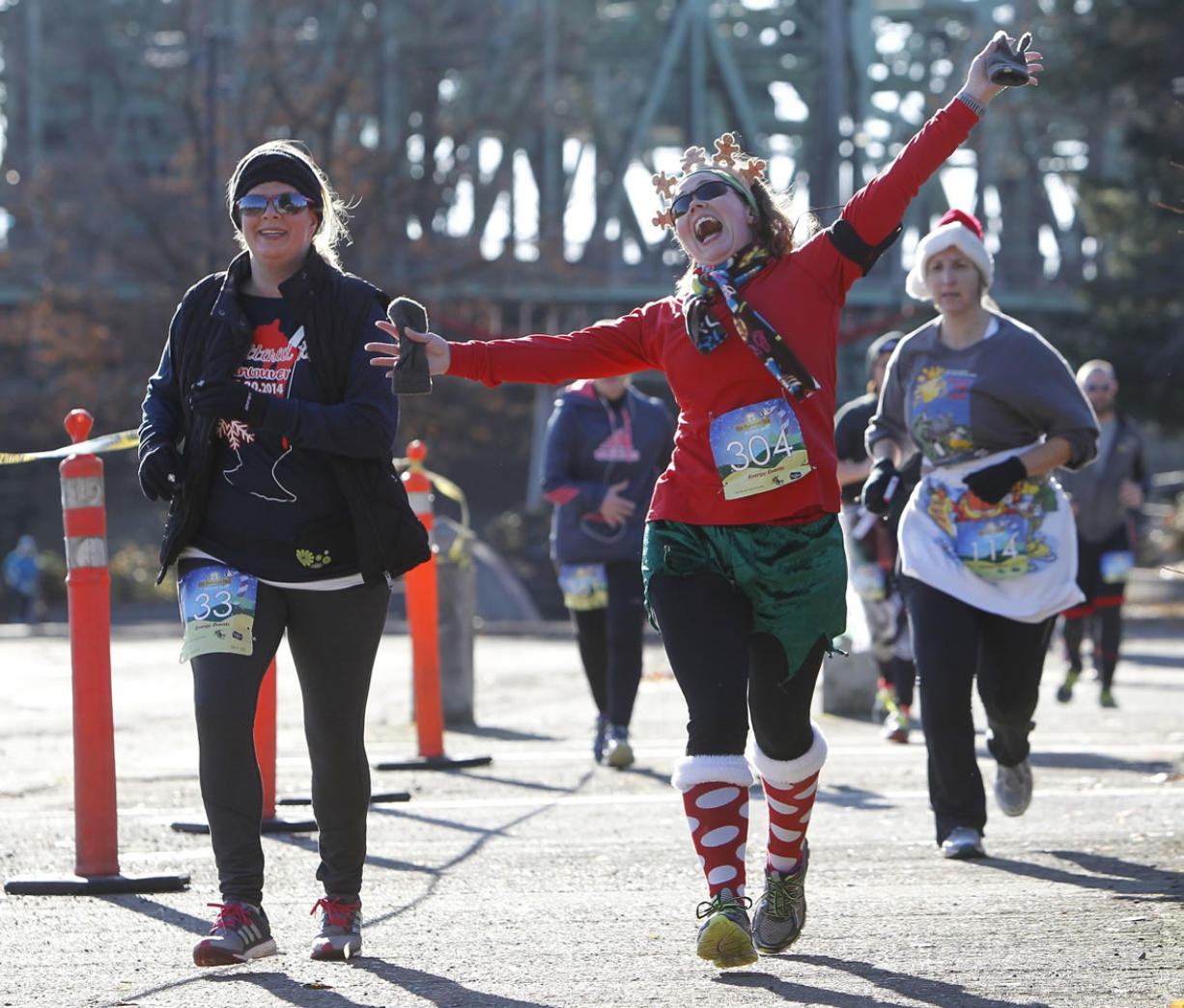 Hot Buttered Run Draws Hundreds Into The Cold - Columbiancom-1870