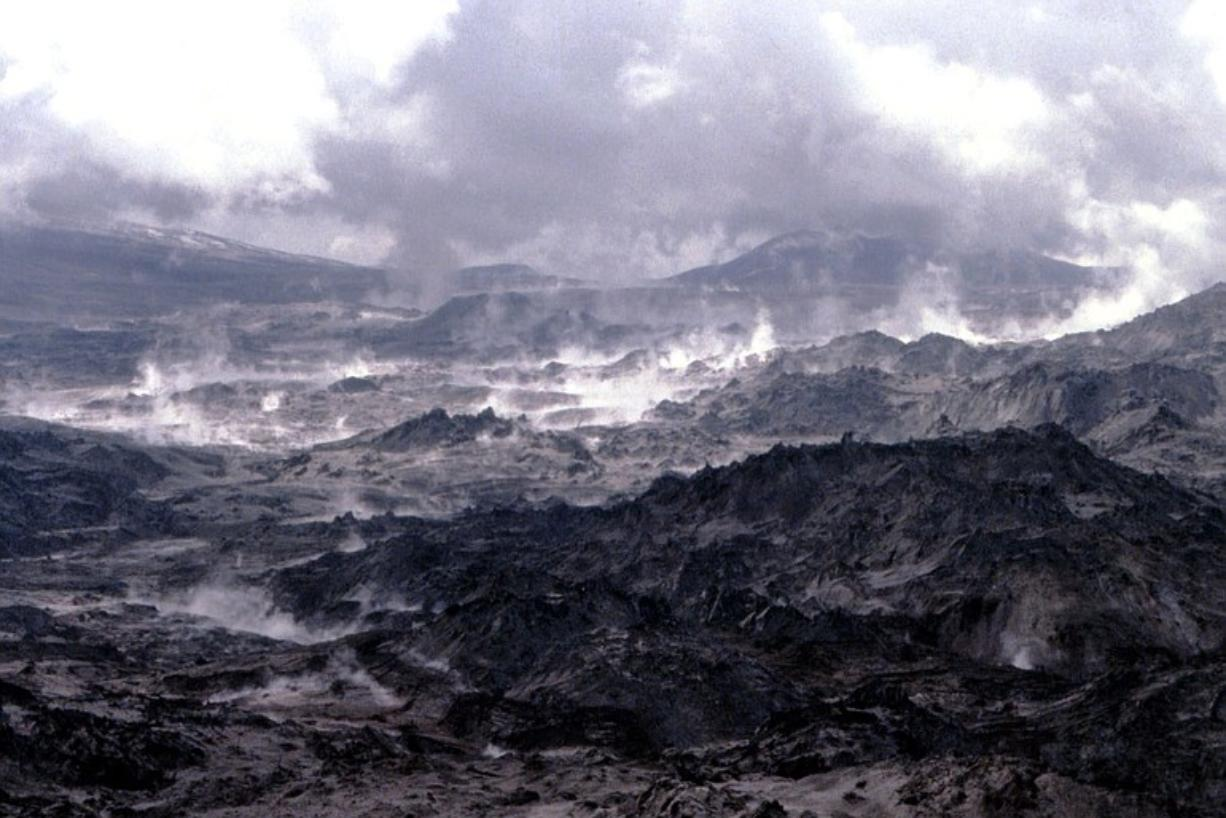 The pumice plain between Mount St.