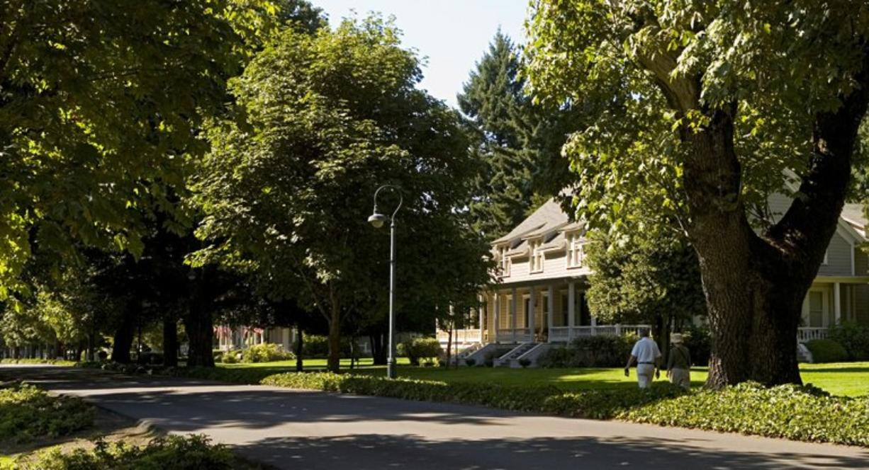 With the official state tourism office closed because of budget cuts, a new nonprofit agency, the Washington Tourism Alliance, will help promote Washington attractions, such as Vancouver's Officers Row, left.