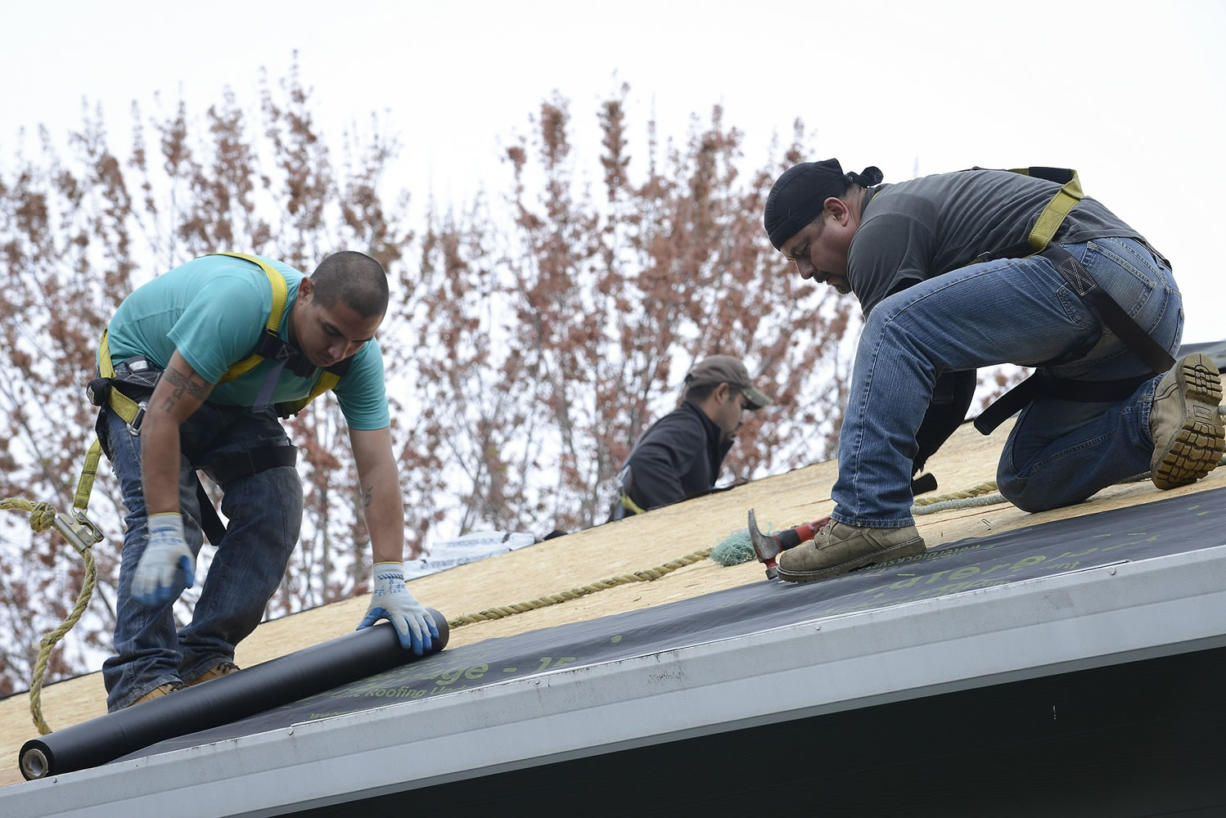 Former Vancouver man's online company has roofing jobs