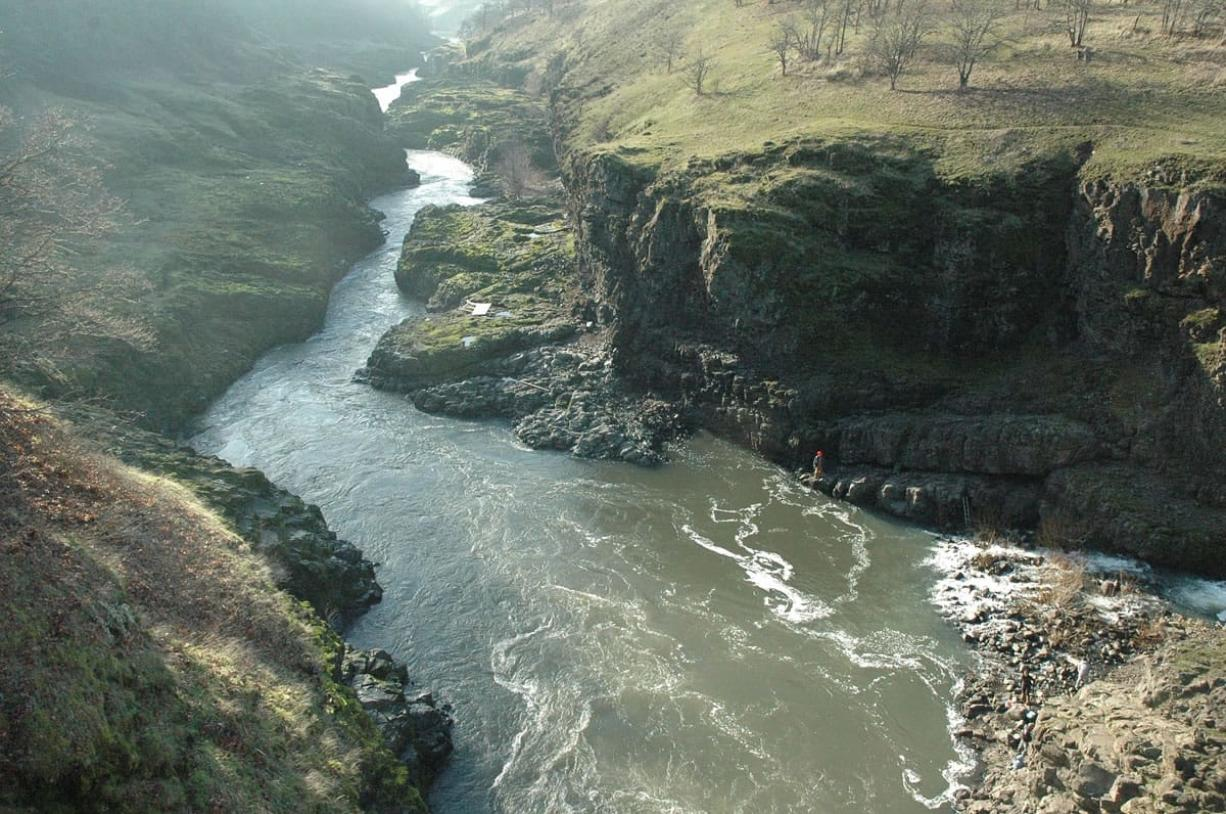 Hikers get plenty of views of the Klickitat River along the lower two miles of the trail from Lyle to Fisher Hill Bridge.