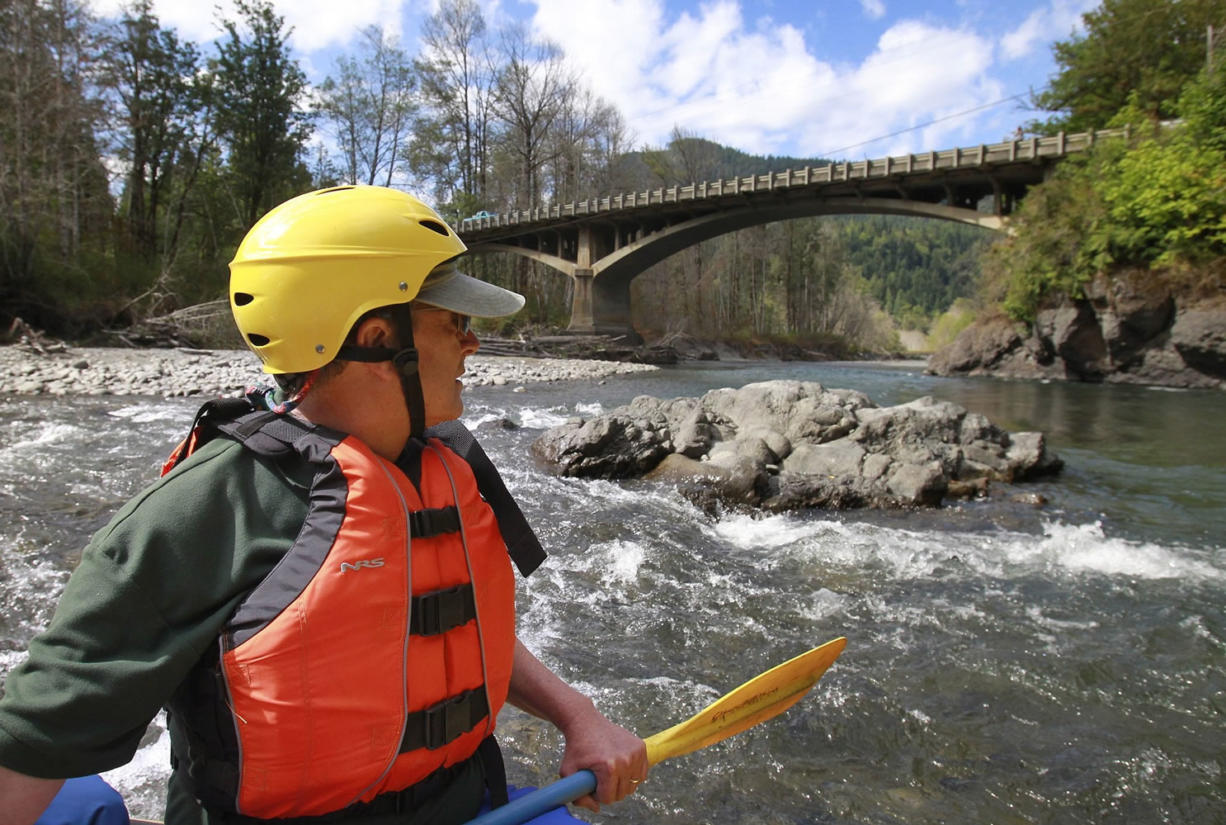 Watching salmon migrate rewarding, with lots of options