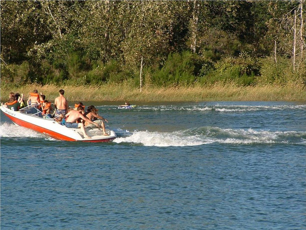The Woodland City Council has voted to restrict speed limits on Horseshoe Lake to 5 mph.