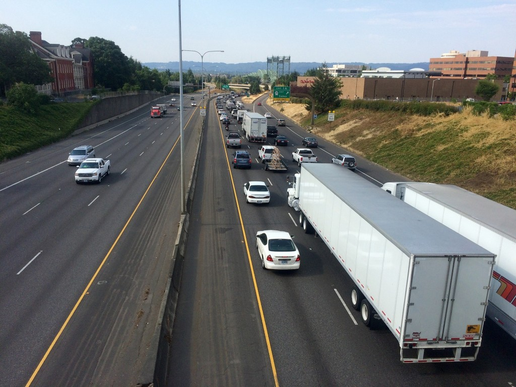 Heavy traffic on I-5 in Portland spills over to Vancouver | The
