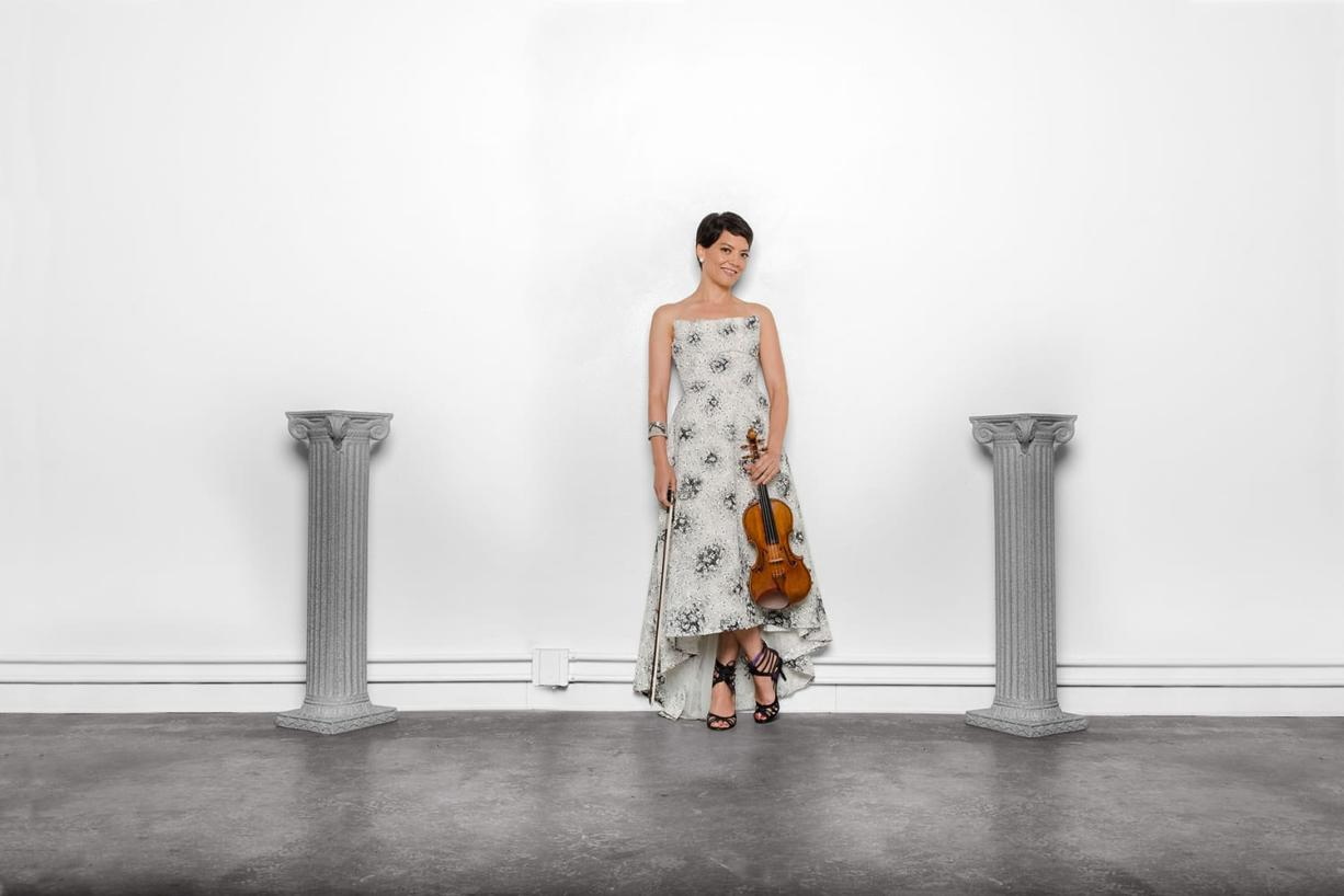 Violist Anne Akiko Meyers will perform as the Vancouver Symphony Orchestra opens its 2015-16 season with concerts Saturday and Sunday.