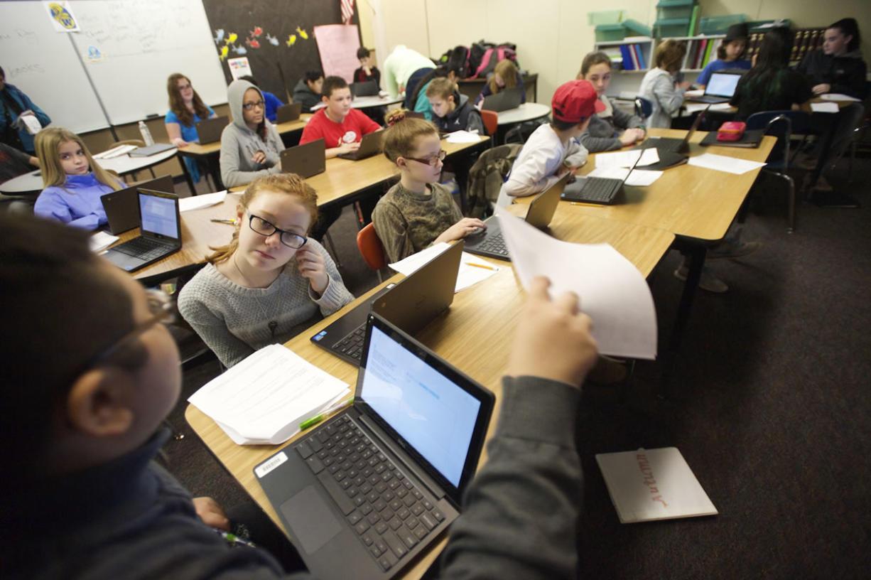 Washington scores steady on national reading, math test
