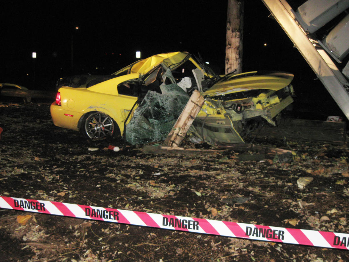 Man killed in crash that topples transformer - Columbian com