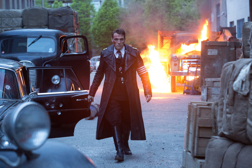 """Rufus Sewell plays a Nazi commander in """"The Man in the High Castle."""" (Amazon)"""