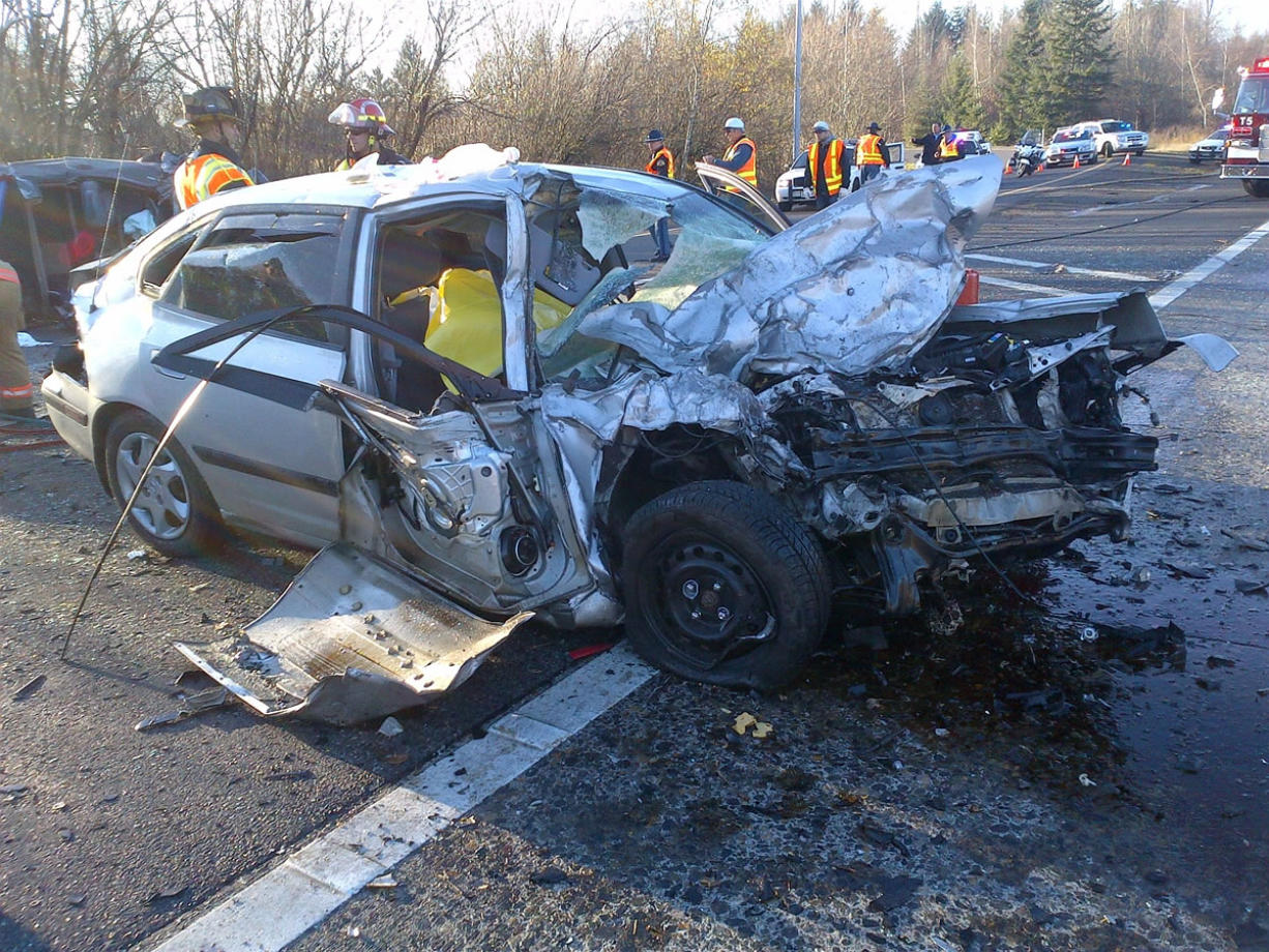 A Vancouver man driving a Hyundai sedan died in a Wednesday afternoon crash on I-205 southbound.