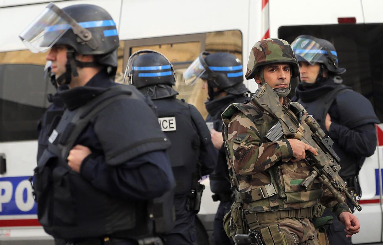 Prosecutor Paris Attacks Mastermind Not Arrested In Raid The Columbian