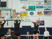 Eastern Oregon outside hitter Stefani Sorensen (7) and the Mountaineers are unbeaten in conference play.