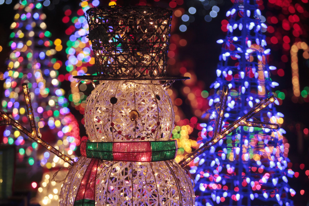 Get ready to rumble — over Christmas decorations | The Columbian