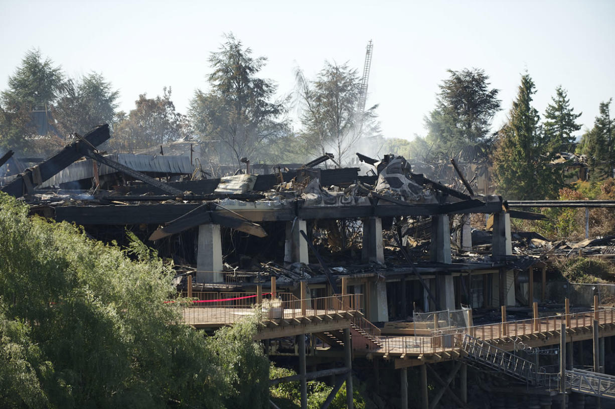The investigation into the fire at the Thunderbird Hotel at Jantzen Beach continues. A reward has been offered.