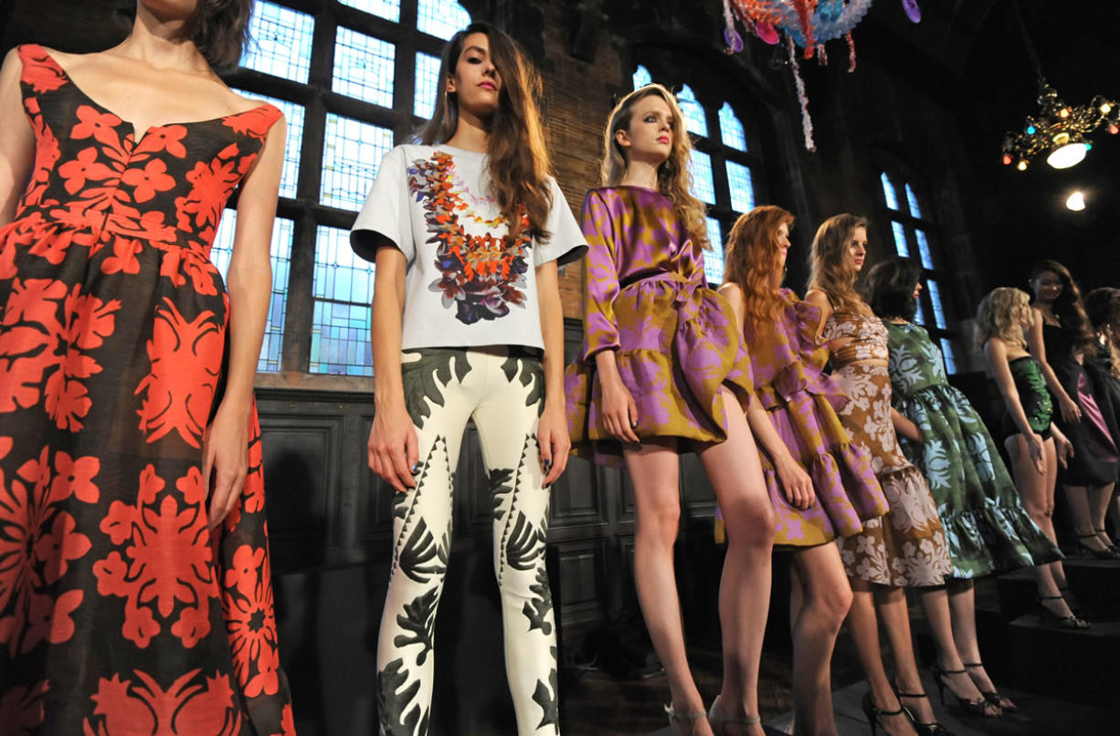 At Fashion Week Designers Flout Convention Columbian Com