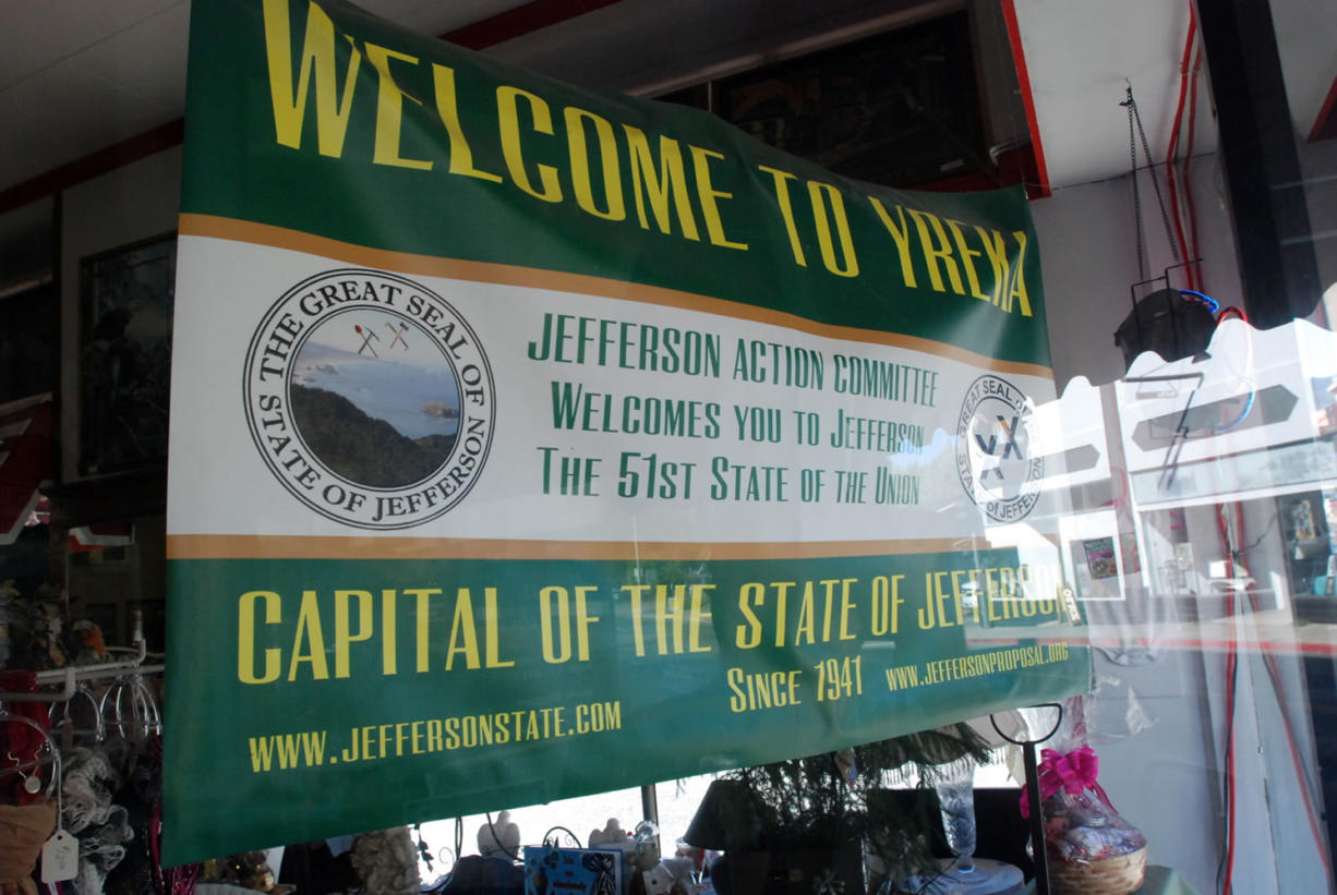 A banner in the window of a downtown Yreka, Calif., business welcomes visitors to the State of Jefferson.