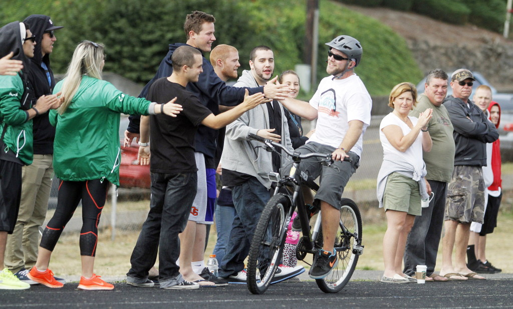 Wheelie Guy Sets A New World Record In Oregon The Columbian