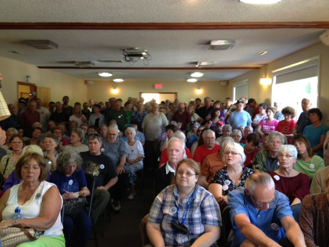 An overflow crowd showed up Saturday afternoon for a meeting at a union hall in Vancouver's Fruit Valley neighborhood to discuss recall and other options about Clark County commissioners David Madore and Tom Mielke.
