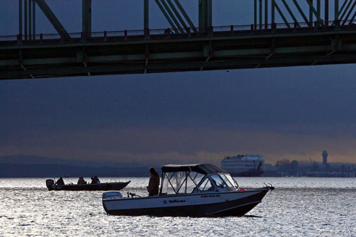 Washington and Oregon agreed to extend the spring chinook season on the lower Columbia River though April 12, except closed on Tuesday to allow for gillnetting.