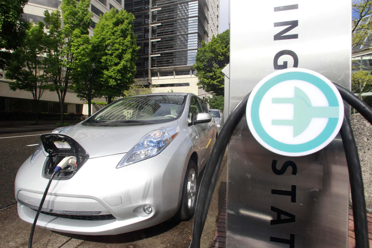 Washington state transportation officials plan to install six electric vehicle charging stations along the I-5 corridor.