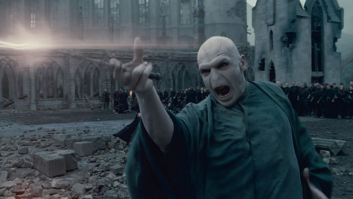 Parents react differently to violence in final 'Harry Potter' film ...