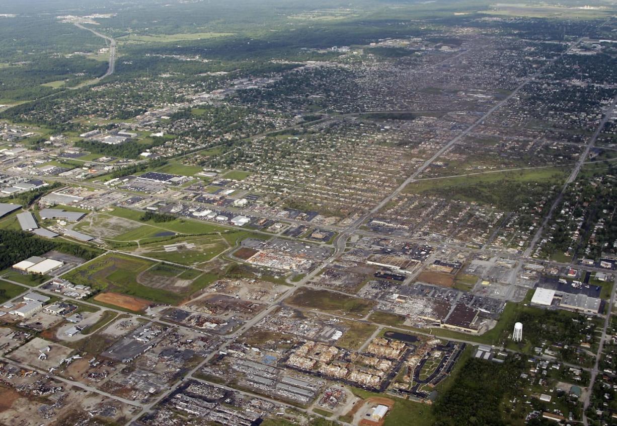 Scale of destruction stuns Joplin, Mo