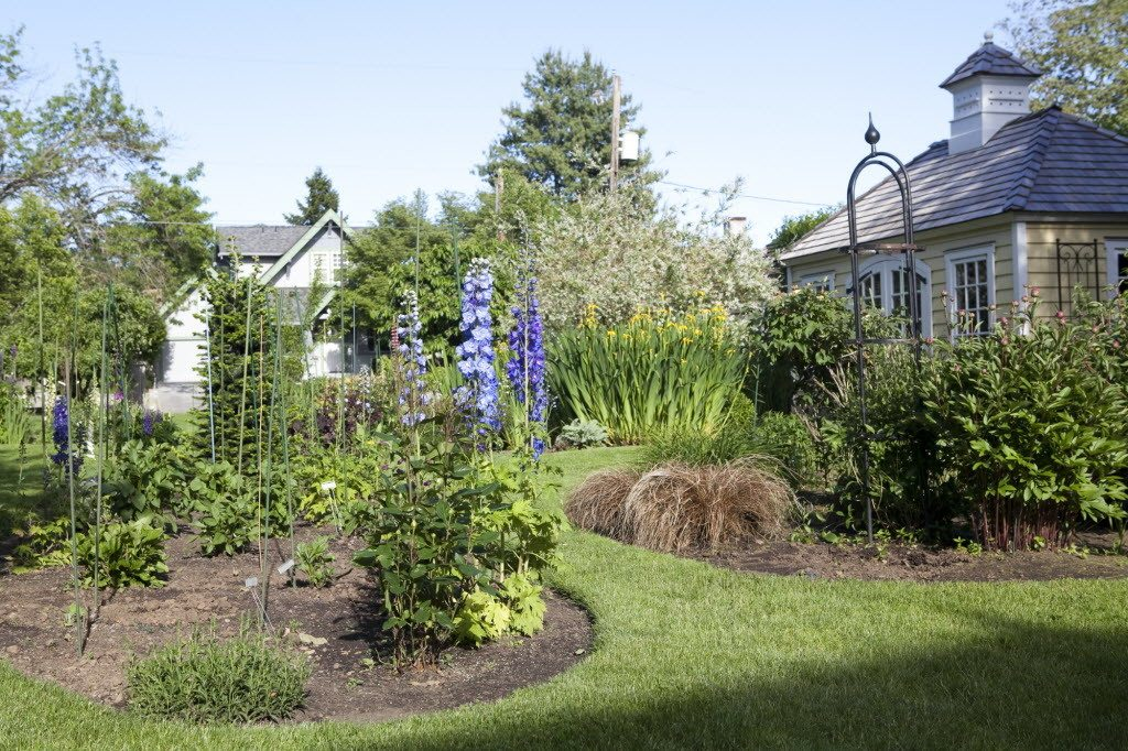Charity drives home and garden tour | The Columbian