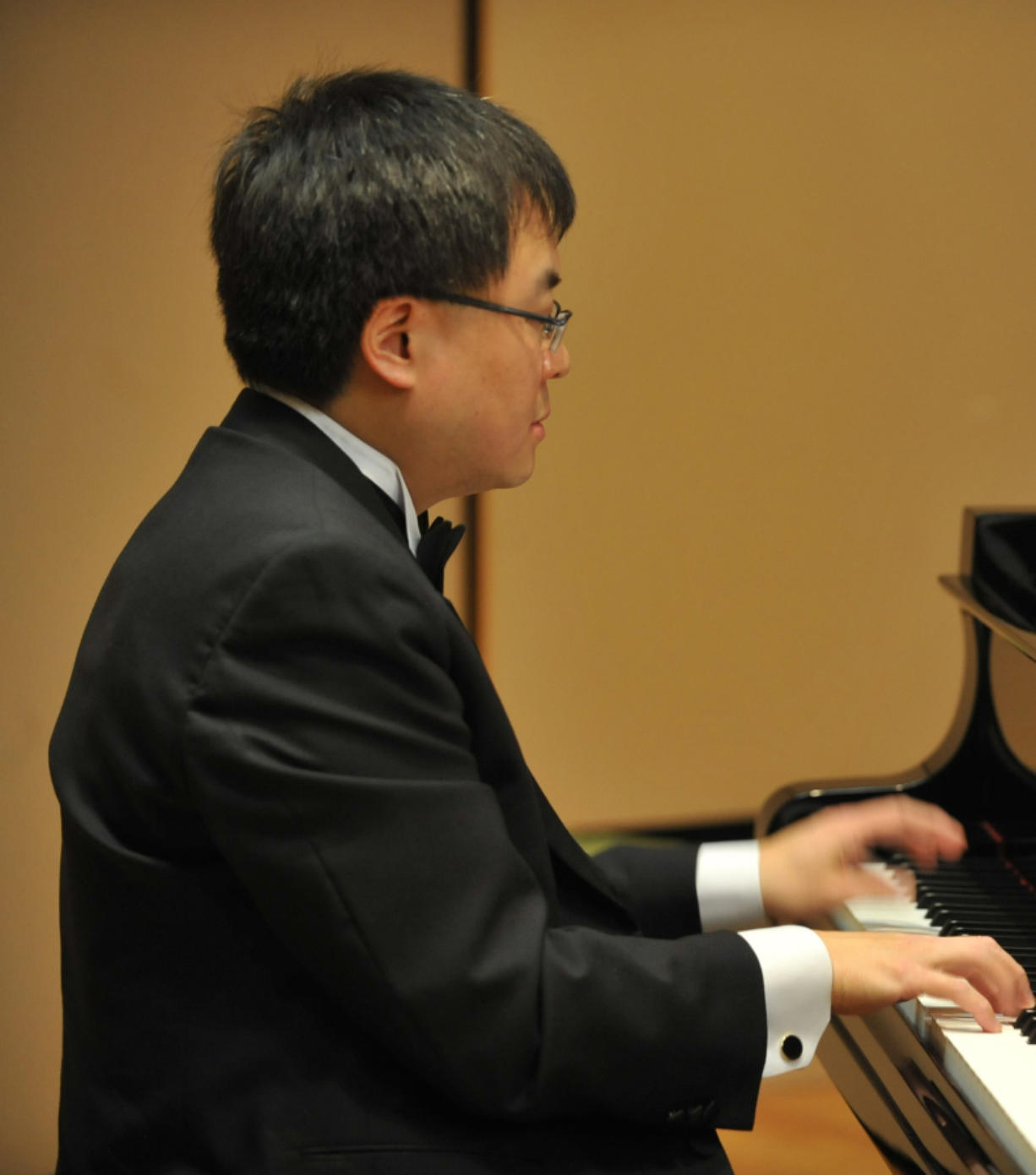 Pianist Michael Liu will perform during the Vancouver Symphony Orchestra's final concert of the season.