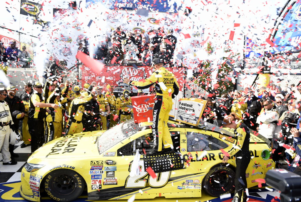 Kenseth holds off Larson for thrilling NASCAR victory at Dover   The ...