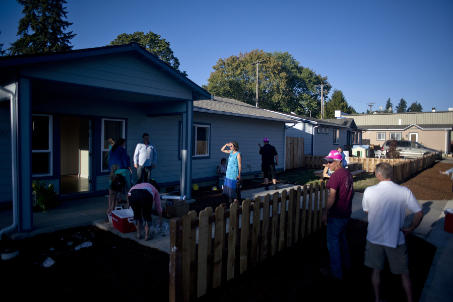 People Tour A Habitat For Humanity House Built By Students In Youthbuild Vancouver Program