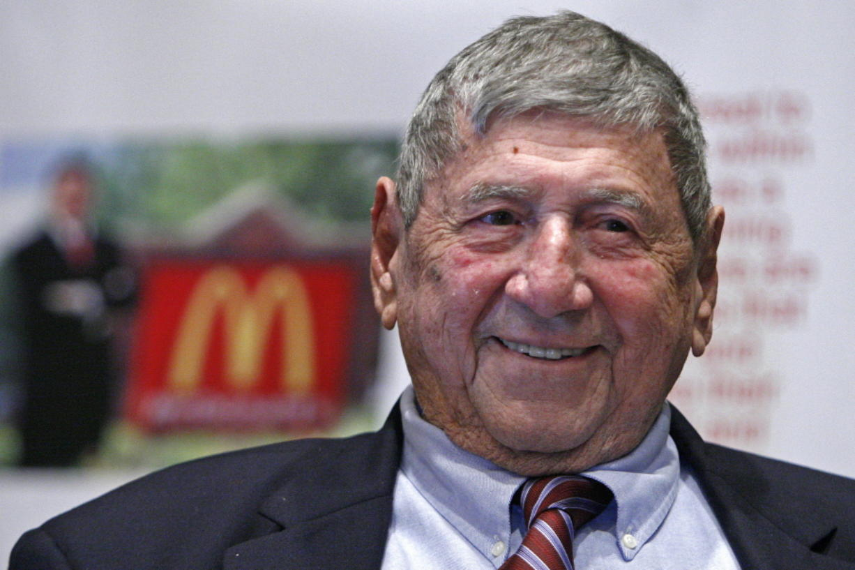 "Big Mac creator Michael ""Jim"" Delligatti attends his 90th birthday party Aug. 21, 2008 in Canonsburg, Pa. Delligatti, the Pittsburgh-area McDonald's franchisee who created the Big Mac in 1967, has died. He was 98. (AP Photo/Gene J."