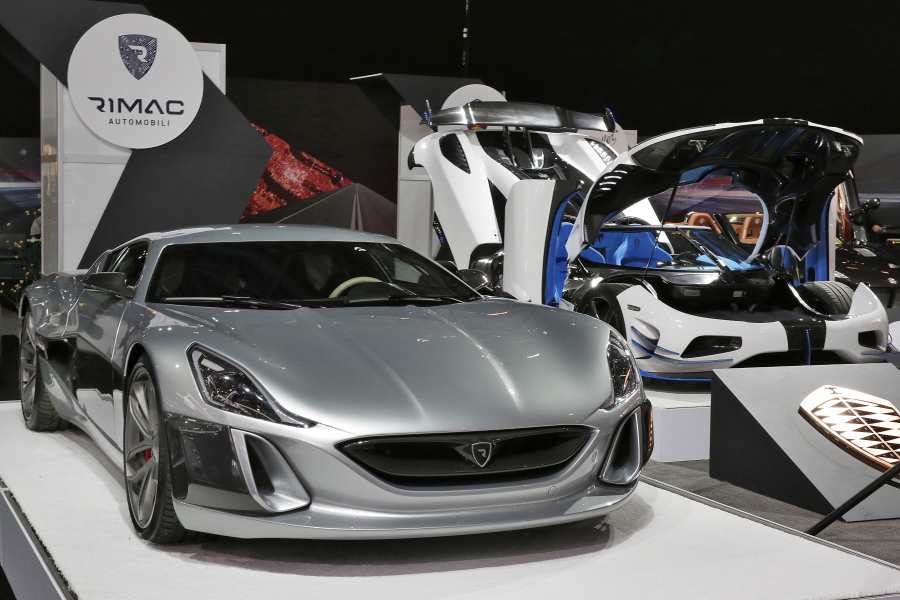 International Auto Show Unveils Highpower Expensive Cars The - Car show javits center
