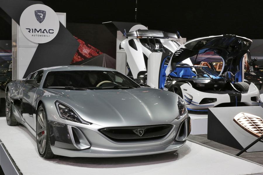 International Auto Show Unveils Highpower Expensive Cars The - Javits car show