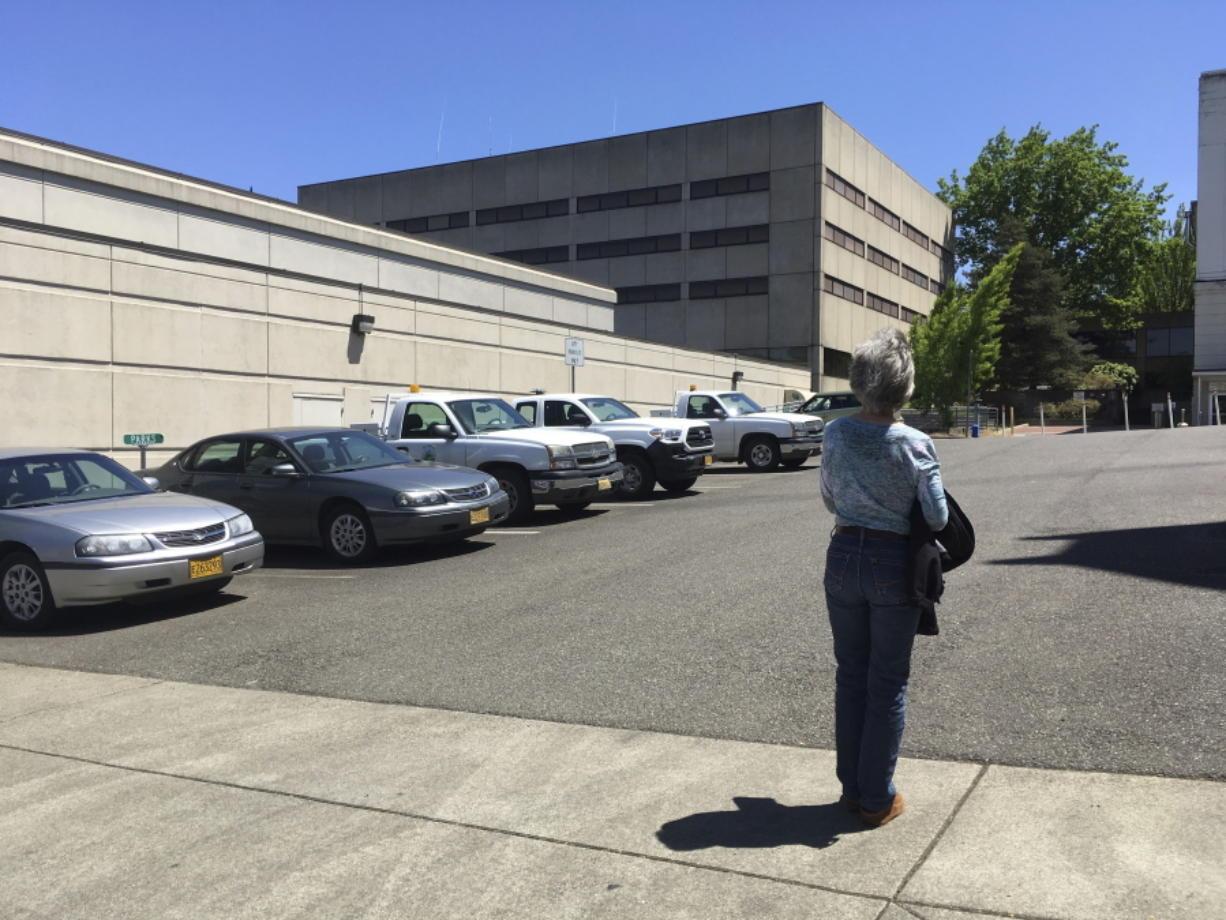 Lawsuit targets Douglas County Jail - Columbian com