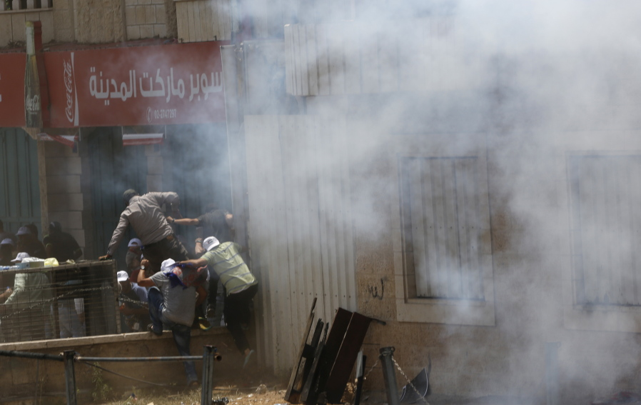 3 Palestinians Killed In Clashes With Israeli Troops The Columbian