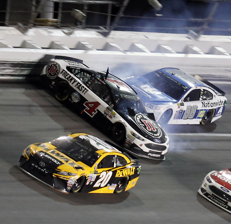 Stenhouse Jr. captures smashing victory | The Columbian