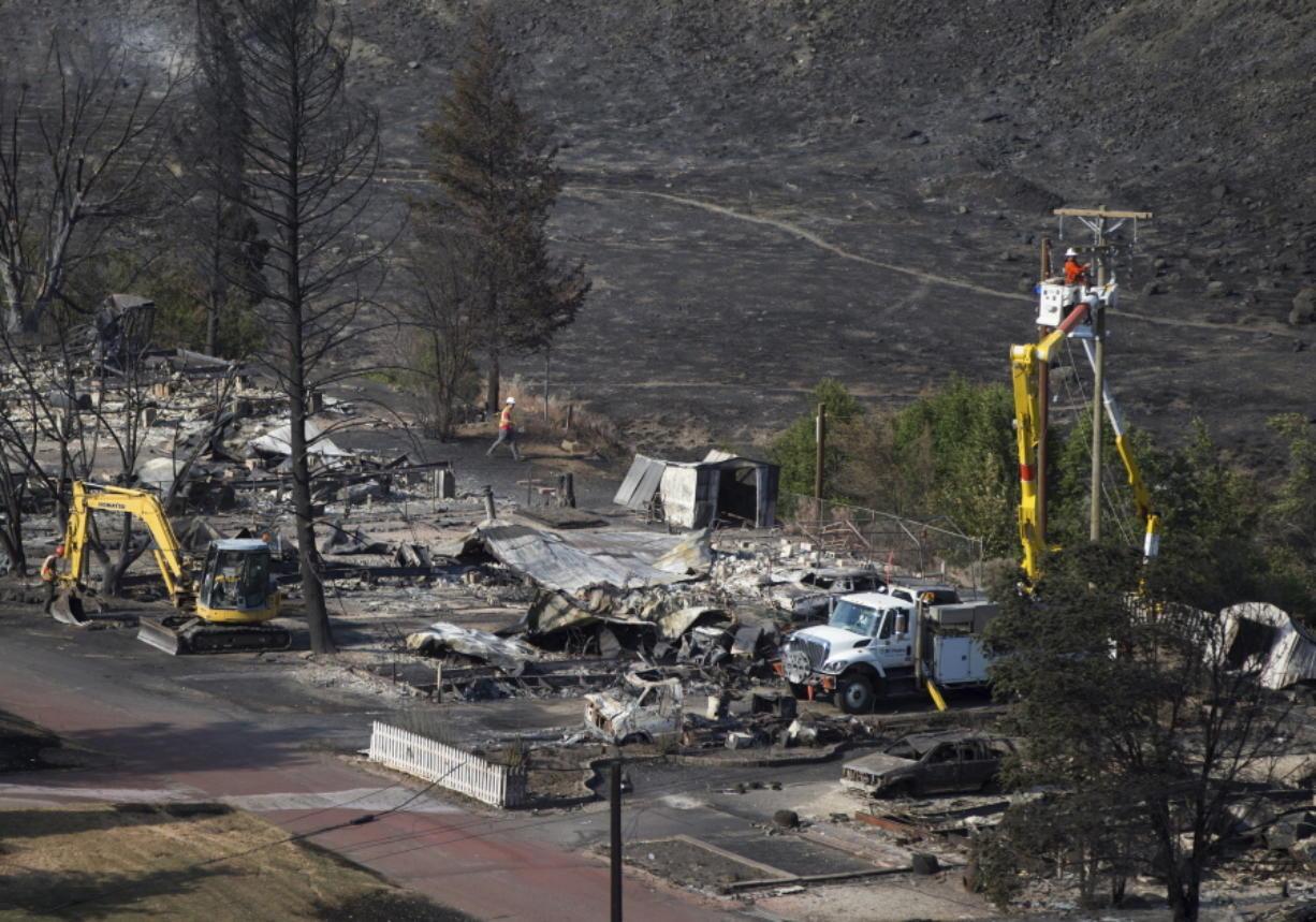 California fights fires after floods - Columbian com