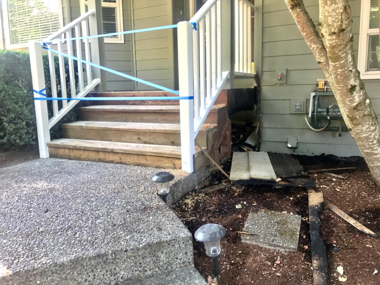 The quick response of a newspaper carrier and Fire District 6 helped contain a fire early Monday morning that began under the front porch of a home at 12212 N.E. 44th Ave. in Vancouver.