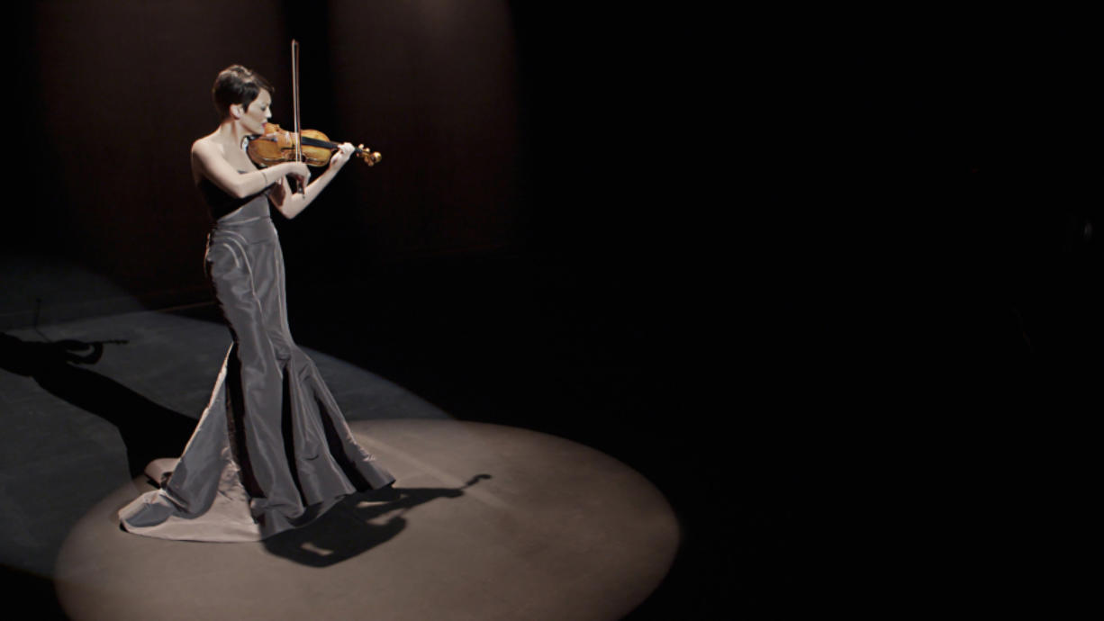 Violinist Anne Akiko Meyers will perform Saturday in concert with the Vancouver Symphony Orchestra.