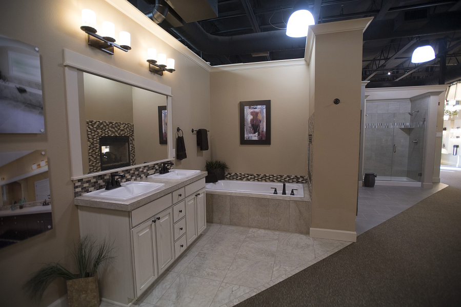A Showcase Of Bathroom Options Is Seen At Pacific Lifestyle Homes On  Tuesday Afternoon. Amanda