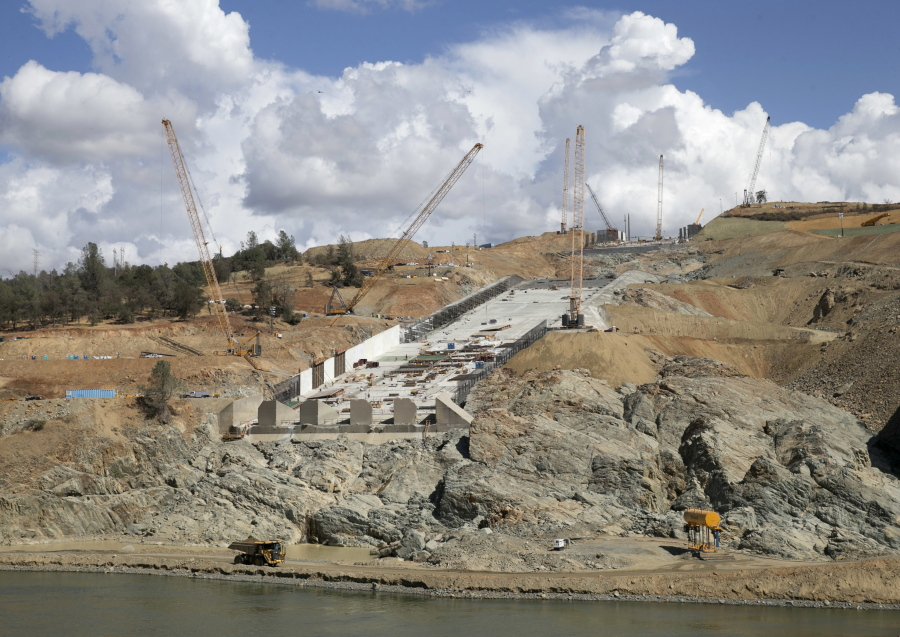 California orders safety review at tallest U S  dam | The Columbian