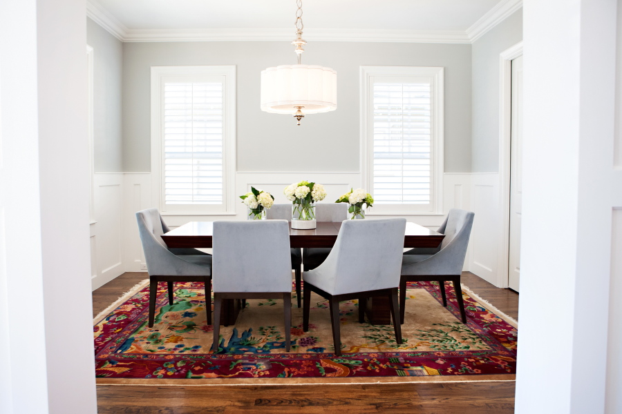 In Dining Rooms Without Drapes, Upholstered Chairs And A Soft Rug Can Bring  A Sense