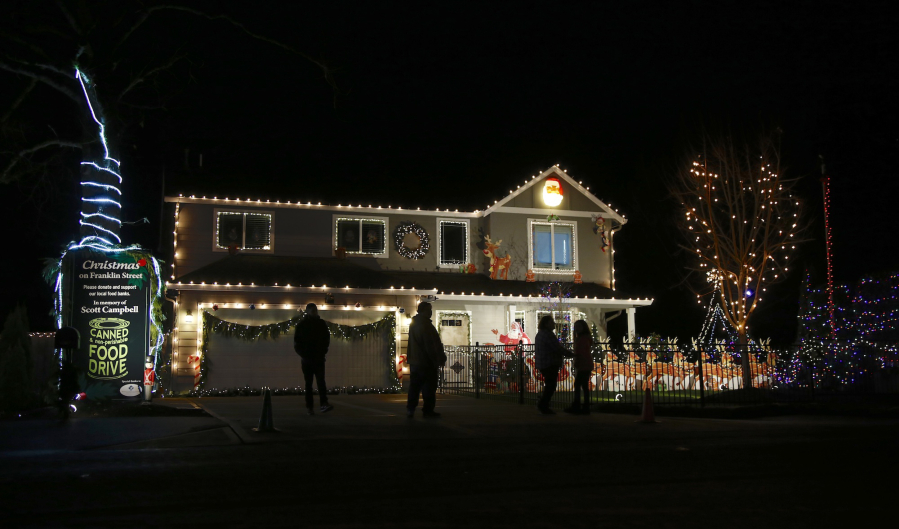 the christmas light display on northwest franklin street in vancouver includes a food drive in honor