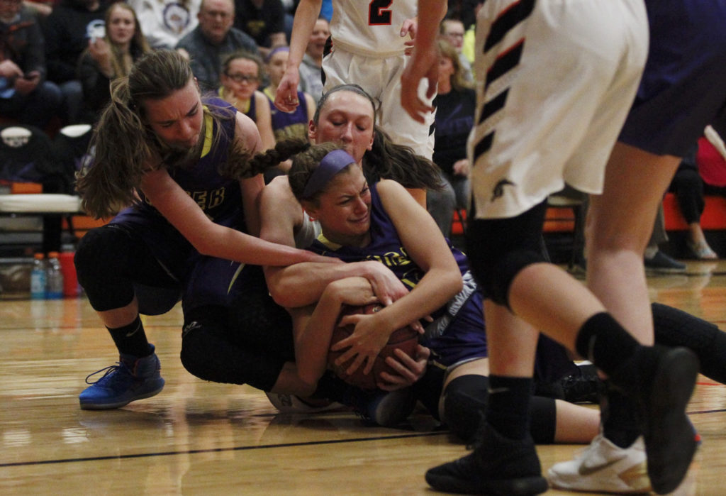 Columbia River Girls Knock Off Washougal In 2A District Playoffs  The Columbian-8319
