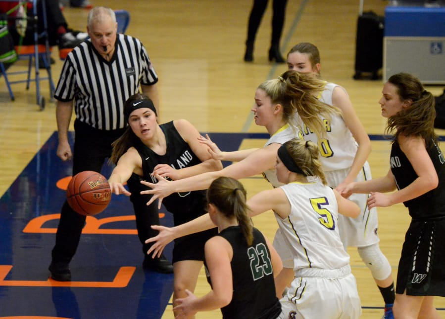 2A District Girls Basketball Woodland Rallies Past Columbia River  The Columbian-7745