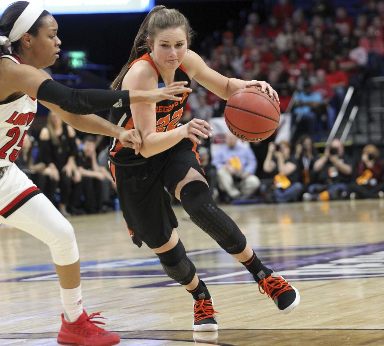 Louisville women rout Oregon State to reach Final Four