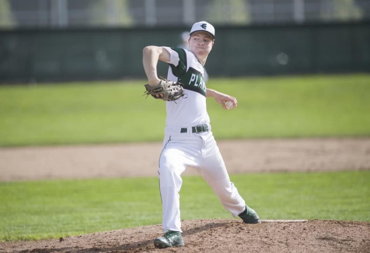 Evergreen senior Tommy Snyder pitches during a game against Mountain View High School, Monday April 9, 2018, at Evergreen High School. ( Ariane Kunze/The Columbian